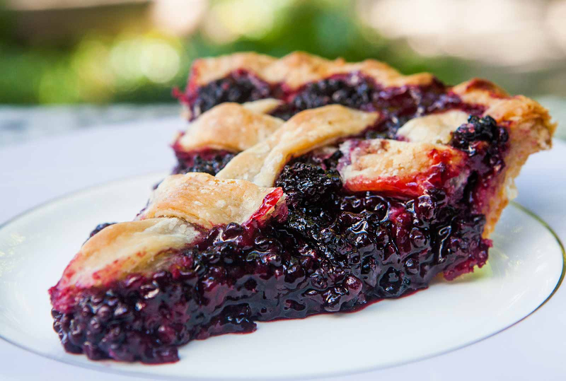 Black-berry-pie-horiz-a-1600
